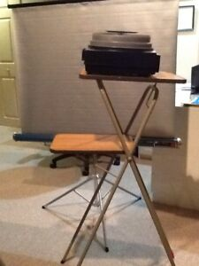 Kodak slide projector, screen & stand package