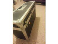 Set of 2 flight cases for DJ musical equipment sound control