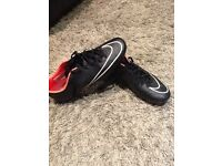Black Nike mercurial football boots in size UK 7