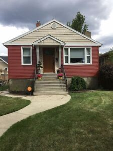 Furnished house for rent by downtown!!