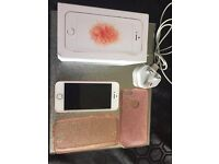 Iphone SE Rose Gold, on vodaphone,, immaculate condition, 16gb
