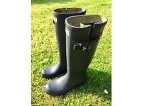 Hunter original tall rain boots - navy - women's size UK 6 (EU 39). Worn twice. Save more than 50%!!