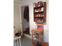 Large Double Room, 1 other female tenant, lovely spacious airy room on a quiet street