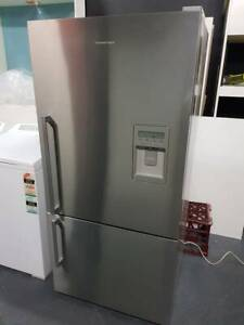 FISHER & PAYKEL fridge 520L with 3 months warranty