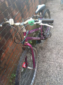 working bike for sale with D lock for £25 REDUCED