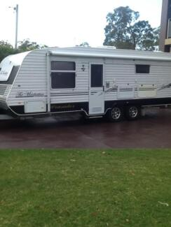 2010 Crusader Manhatten Caravan Bonnells Bay Lake Macquarie Area Preview