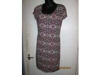 STRETCHY AZTEC PATTERN DRESS SIZE 16 FROM NEW LOOK BRAND NEW WITH TAGS