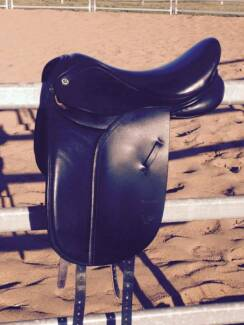 Barnsby Dressage / Turnout saddle - Black Harrisville Ipswich South Preview