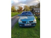 Renault clio for sale - needs a bit of work
