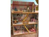 Large barbie / Sindy 80s style doll house