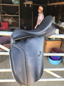 Thorowgood T6 Dressage Saddle