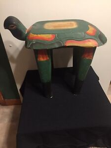 Turtle plant stand