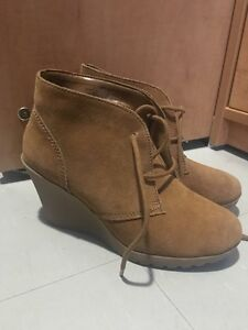 5.5 Myrtle wedges boots