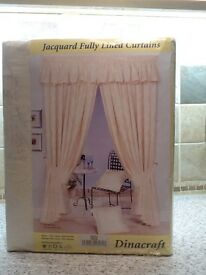 Dinacraft curtains