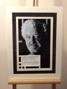Genuine-Bernard-Cribbins-Signed-Display-12-x16