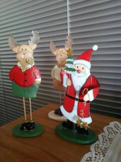 GARAGE SALE - XMAS / CRAFT / FURNITURE & HOUSEHOLD ITEMS