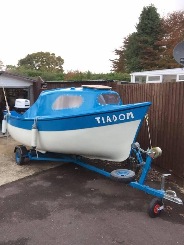 16ft boat,,trailer and enginein Verwood, DorsetGumtree - New lights..radio.. fishfinder.. newly painted inc anti foul.. New fuel tank New hand built trailer New winch,, jockey wheel,, rollers etc 30hp Johnson engine.. was running and pumping water well but not been started a while Only needs steering and...