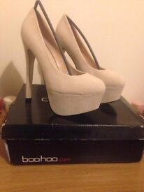 Size 5 Nude court shoe