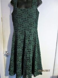 EMERALD GREEN LACE DRESS SIZE 14/16 BRAND NEW WITH LABEL RRP £49.99 CHRISTMAS OR NEW YEAR PARTY