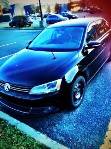 Jetta Volkswagen 2,5 highline  2012     8500$