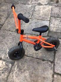 Mini BMX orange And great condition