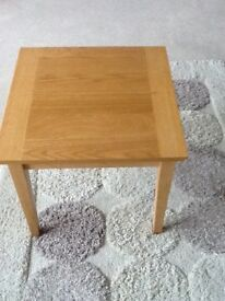 OAK TABLE 55cm X 55 cm and 50 cm high. Good condition.