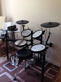 Roland TD 11KV Drum Kit with Mesh Pads and Double Bass Pedal