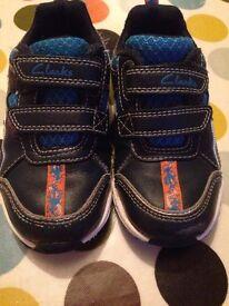 Clarks Stomposaurus Shoes - Size 7F
