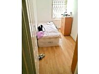 £105pw 4 xSingle room available in the same house in Edmonton ,No DSS