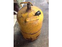 Yellow 15 Kg gas patio gas bottle