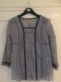 Ladies size 10 Kew blue and white flowered blouse - brand new with labels
