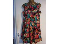 BEAUTIFUL MULTI PATTERNED SLEEVELESS DRESS SIZE 14 BY BE BEAU PARTY OR WEDDING