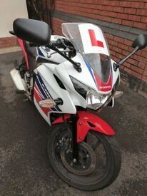 Honda CBR125r 2016 White/Red/Blue