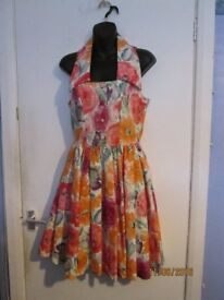 LAURA ASHLEY BEAUTIFUL BOLD FLORAL PATTERNED SLEEVELESS DRESS SIZE 10 WEDDING OR PARTY