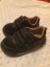 Clarks Shoes - Size 7H Infant