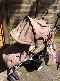 iSafe - Flowers Stroller Buggy Pushchair complete with Foot Muff & a Bag