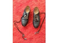 Men's Black leather kilt shoes size 8