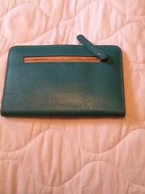 Warehouse purse