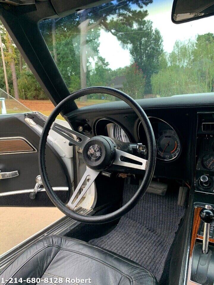 1973 White Chevrolet Corvette   | C3 Corvette Photo 9