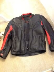 Mens leather jacket in large 44ish