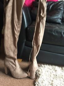 mocha boots size 6 brand new in box