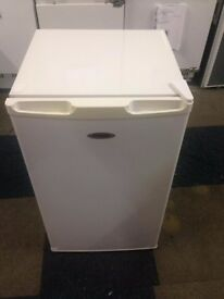 white undercounter fridgemaster fridge