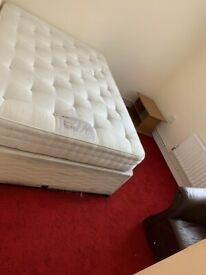 DOUBLE ROOM IN A CLEAN FLAT, SHARE WITH 2 PROF PEOPLE, CLOSE TO (Z 2) CENTRAL LONDON - ALL BILLS INC