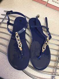 Women's shoes & boots