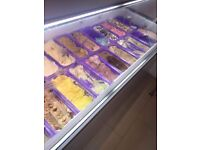 Ice cream dome freezer for 22 different flavours