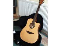 Guitar electro acoustic superb condition