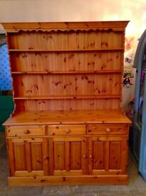 Solid Pine Welsh Dresser (Excellent Condition)