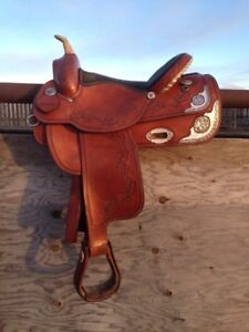Beautiful show saddle
