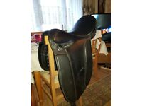 leather horse saddle make is northumbrian range size 17 inch in vgc collect from dagenham essex