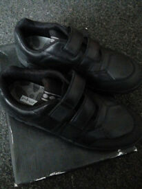 NEW BLACK LEATHER VOLCANIC SCHOOL SHOES SIZE 6H START-RITE SENIOR , PEACEHAVEN